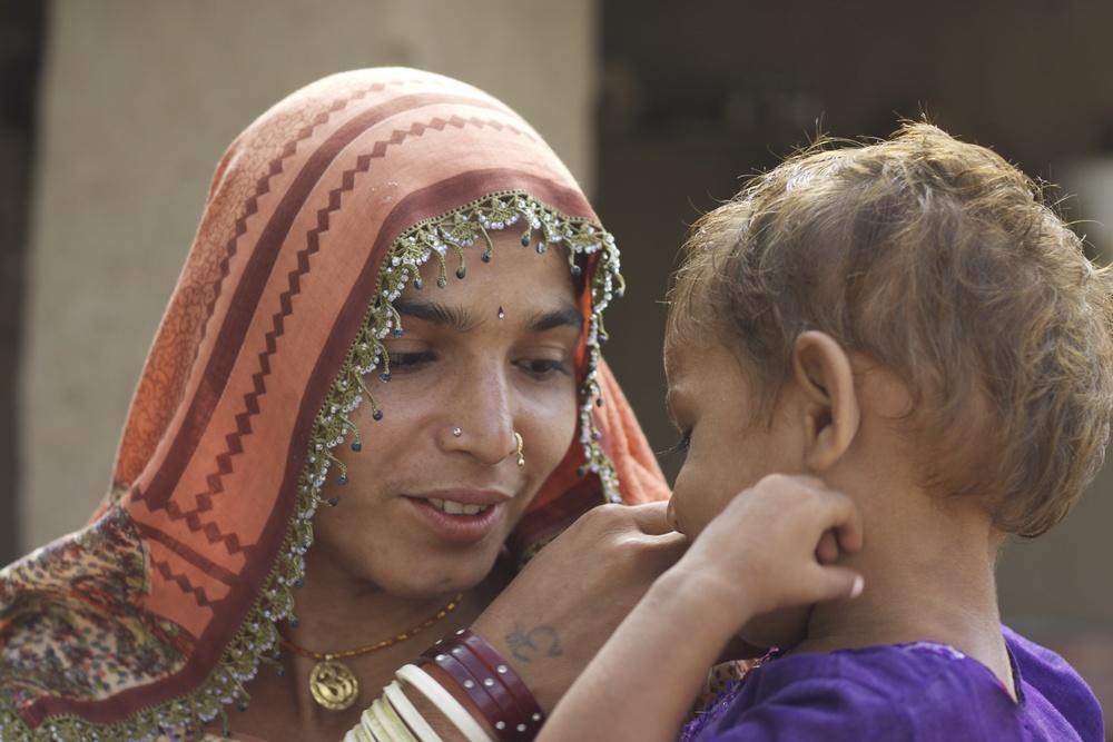 Lajvanti with daughter