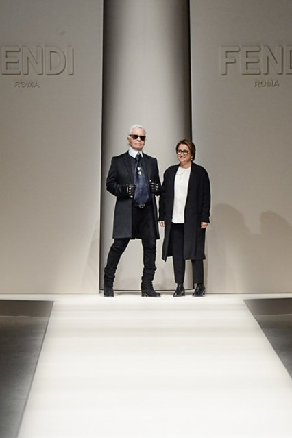 It is Fendi 's AW2015-16 Milan Fashion Week.After all,Fendi show us totally different,  cocktail-style dresses,boots with wedge heels ,a new proposition to rival that of Fendi's ever popular key chain adornments.Karl Lagerfeld showed up at the end of Fendi show in Milan.