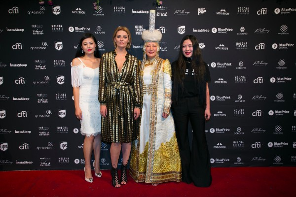 Adeline (First from left), Mischa Barton (Second from left), Song Hong (Third from left) and Syu Syu Han (First from right)
