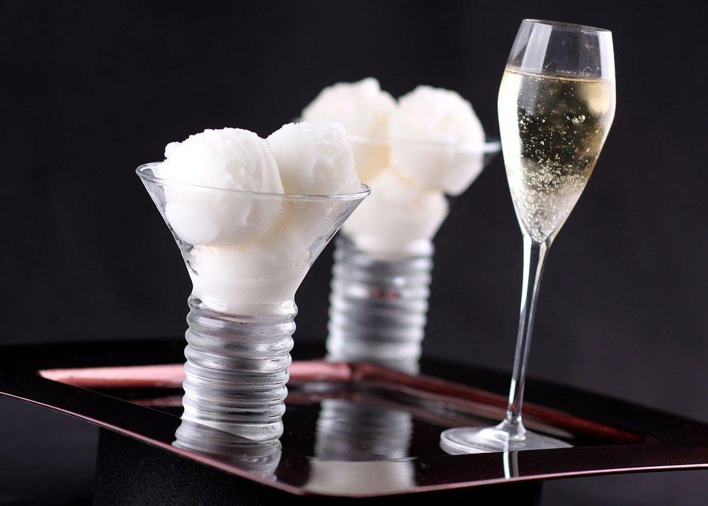 Photo taken from https://www.meilleurduchef.com/cgi/mdc/l/en/recipe/champagne-sorbet.html