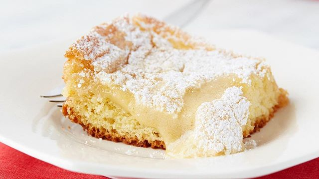 Meghana Patnana shares her favorite Saint Louis native dessert - Gooey Butter Cake! Try it for yourself with her recipe, now on our site!⠀ #recipe #Tastebuds #gooeybuttercake #gooeybuttercakerecipe #desserts #dessertrecipes #yum