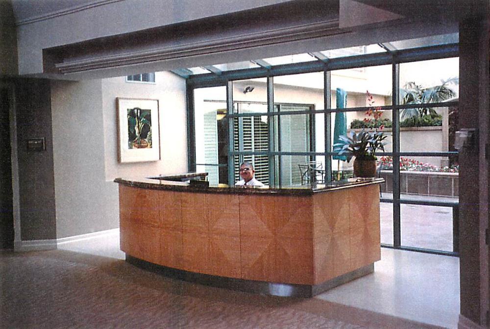 Lobby004.jpg