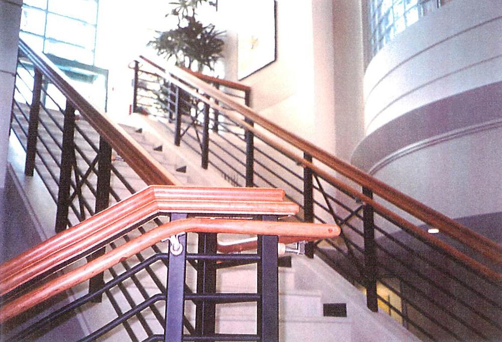 Lobby003.jpg