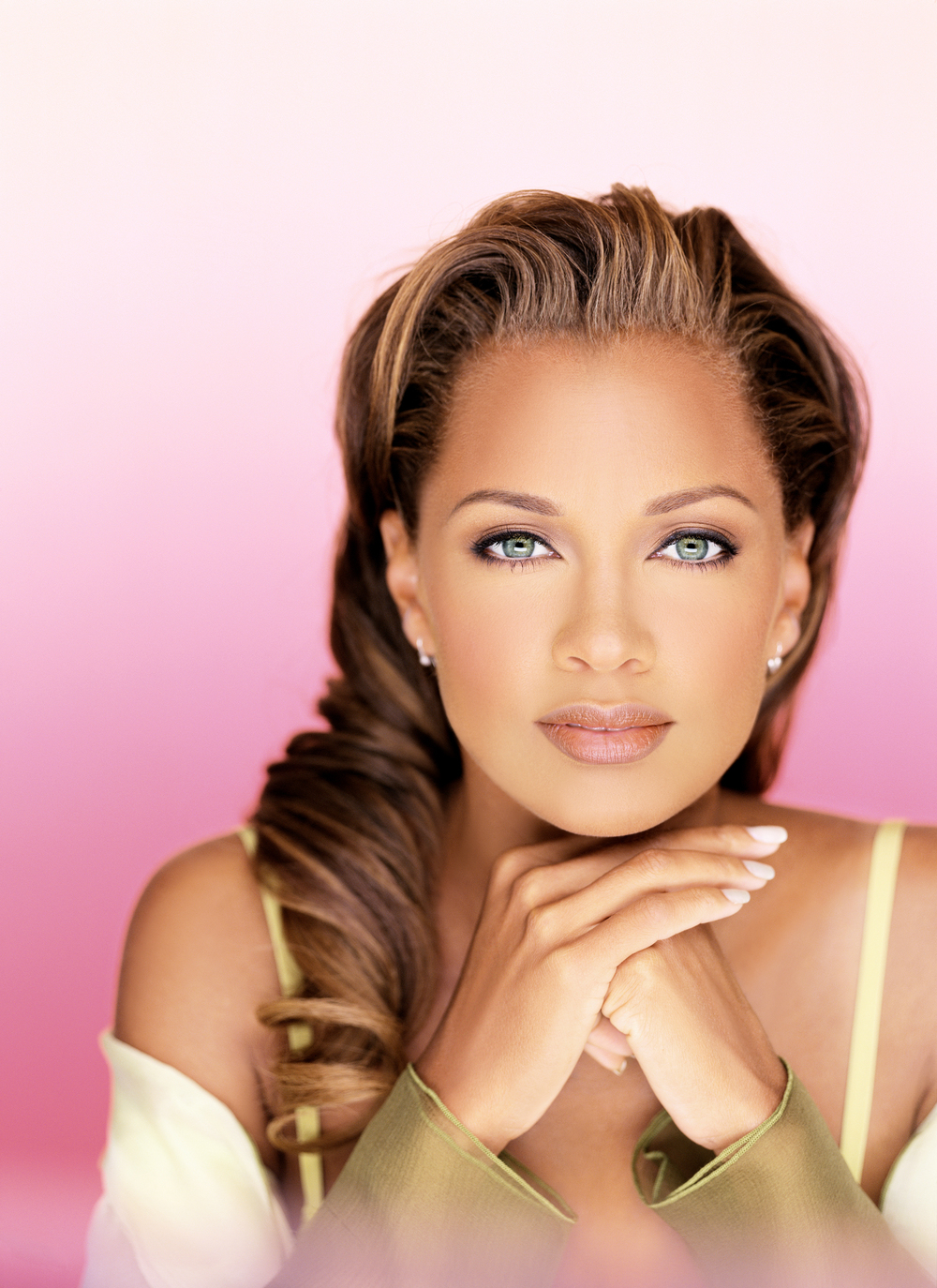 Vanessa Williams_pretty in pink.jpg