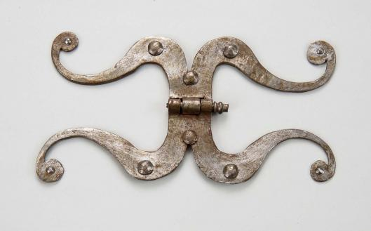 door hinge // 18th - 19th century // france // iron