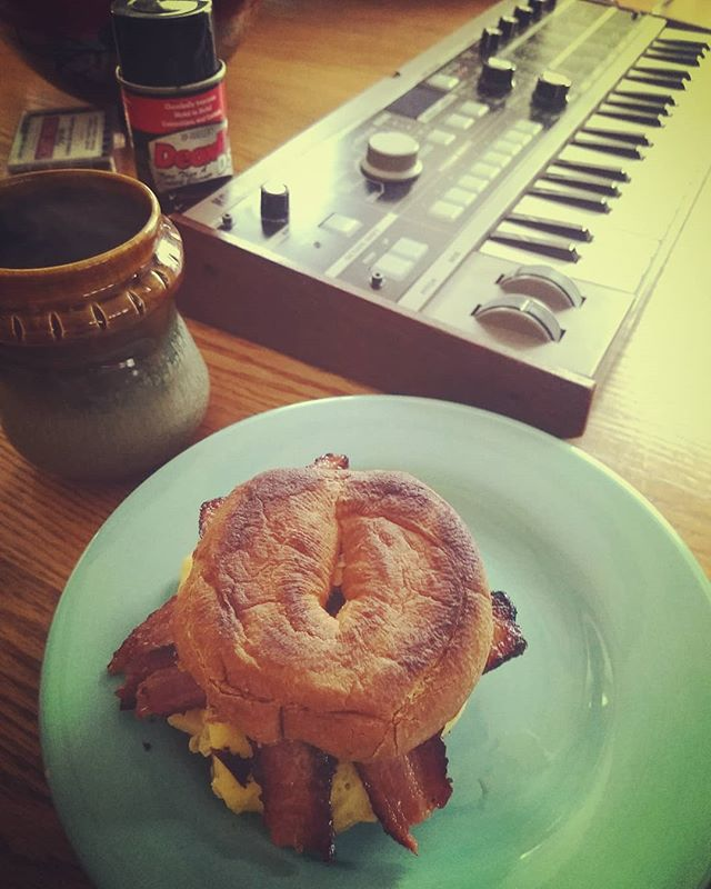 Sunday is for breakfast sandwiches, handmade coffee mugs, and fixing finicky switches. #korg #microkorg #synth #breakfastsandwich #bacon #coffee