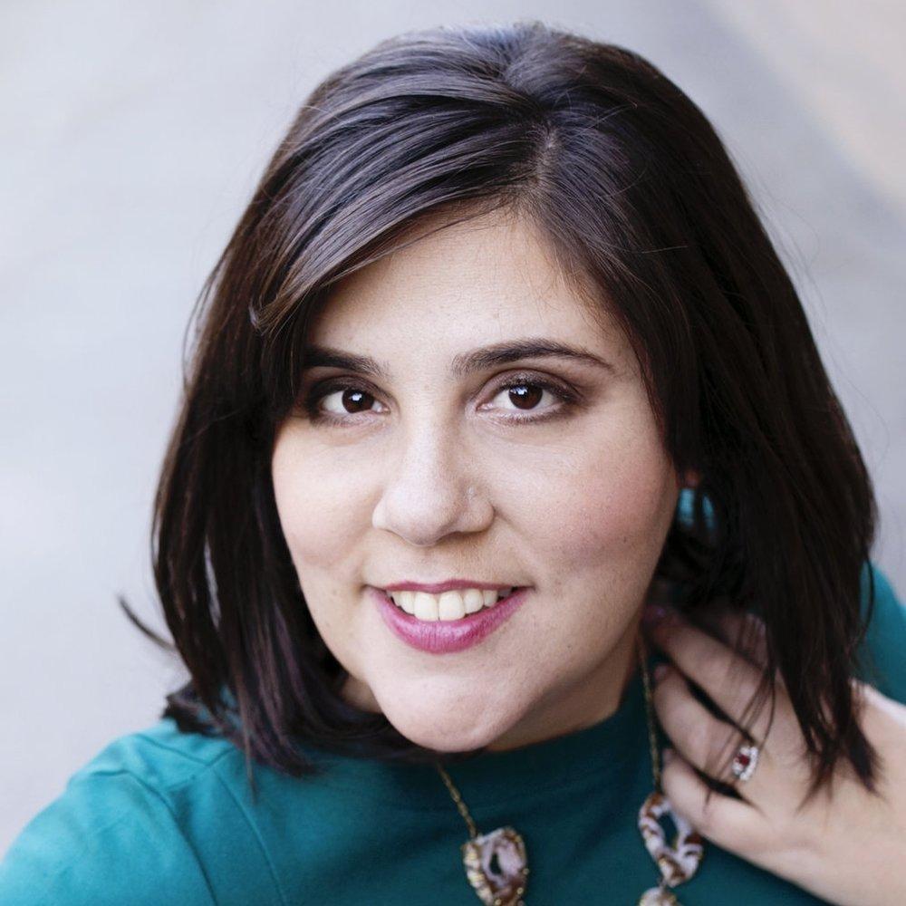 Leah Weiss Headshot.jpg