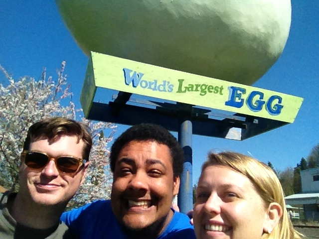 World's Largest Egg Selfie in Washington!