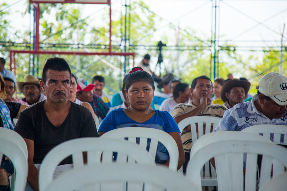 Members of the Sikuani indigenous people listen to Ecopetrol explain why it wants to expand its dumping of water used in oil extraction into the rivers from 300,000 liters to 600,000 liters of water a day.Rubiales, Meta, Colombia. April 8, 2017