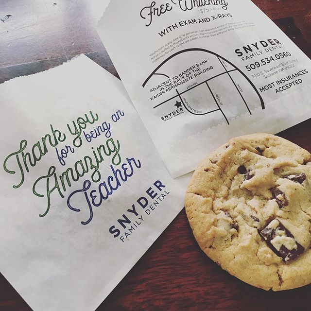 I had fun creating these bags for @snyderfamilydental to give out teacher appreciation cookies!