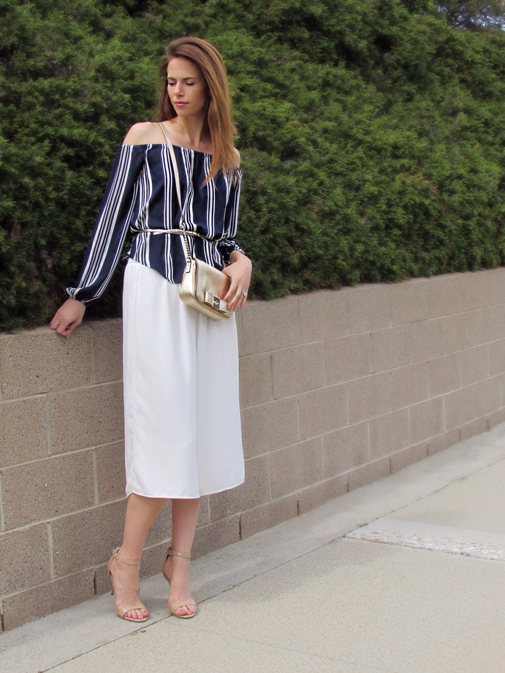 Blouse, culottes, similar belt, bag, heels