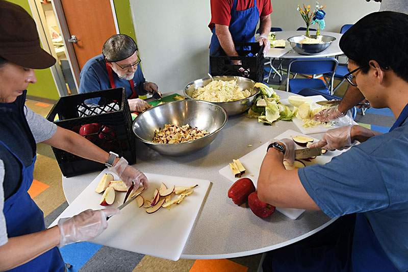 HOW AUSTIN KEEPS ITS HOMELESS CITIZENS FED  - AUSTIN CHRONICLE