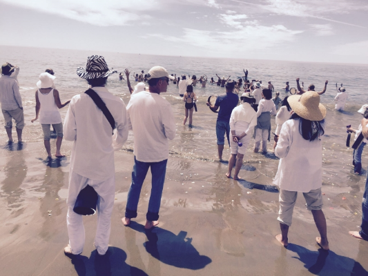 September 2015: Scattering deb's ashes at Limantour beach