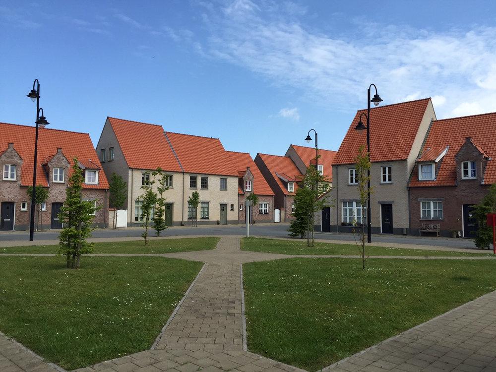 9811-Heulebrug_AMD5_06-2015.JPG