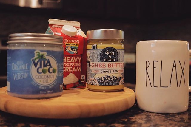 My current 'keto coffee' recipe includes:  1 tbsp ghee 1 tbsp coconut oil 2 tbsp heavy cream  Over the years my keto coffee recipe has changed so many times! I'm always down to try new recipes and love seeing how other people do their keto coffee. Let me know what's inside yours! ☕️💪🏼  #keto #coffee #yum #goodmorning #highfat #energy