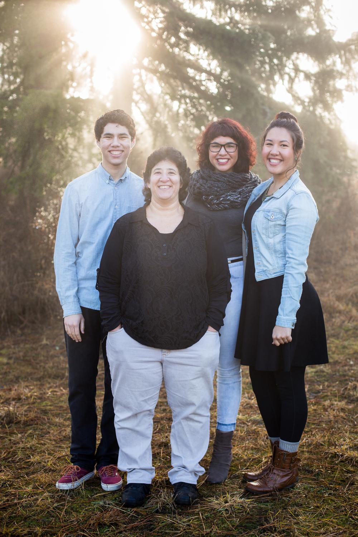 20141221-corderofamilyphotos-7.jpg