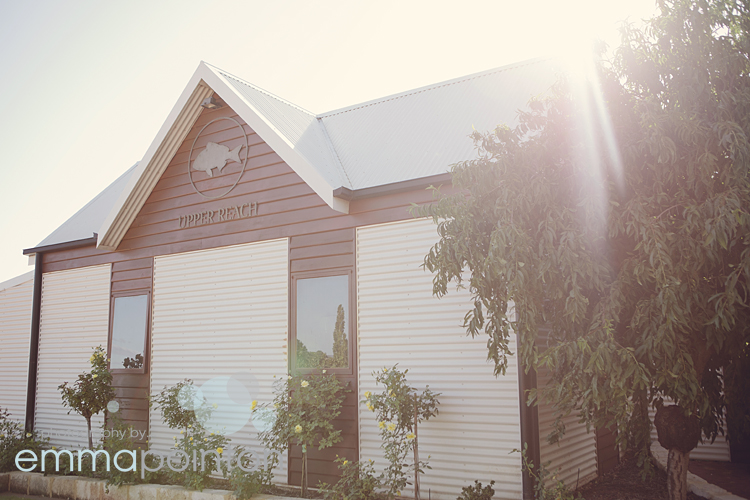rachel john upper reach wedding photography by emma. Black Bedroom Furniture Sets. Home Design Ideas