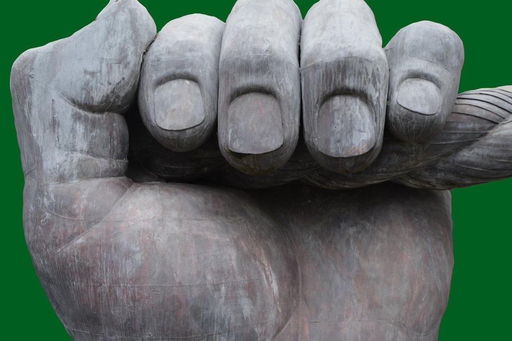 Die armen Fingernägel