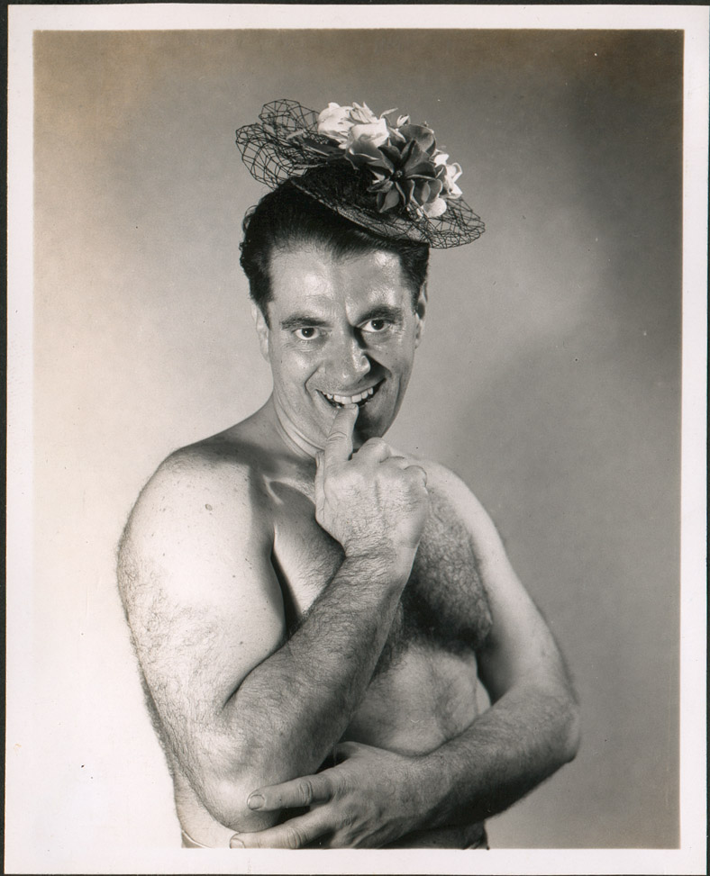 Paul nude with flower hat.jpg