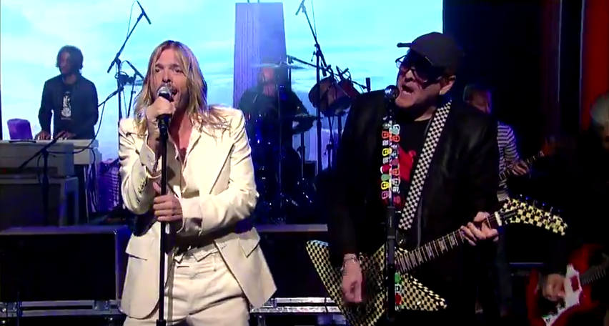 "Foo Fighters with Rick Nielsen cover Cheap Trick's ""Stiff Competition"" - David Letterman"