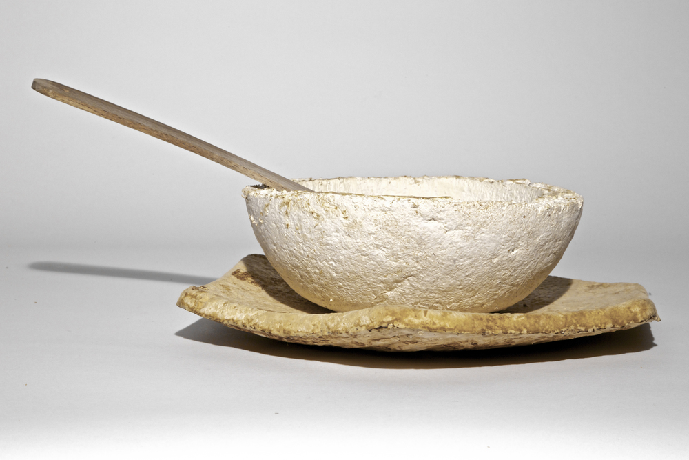 'The Growing Lab' bowl and plate by Officina Corpuscoli (Image courtesy of Officina Corpuscoli)