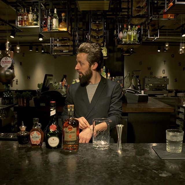 Shot some mixology and played with fire at @drakeandmorgan King's Cross this morning 🍹🔥#London #videography #video