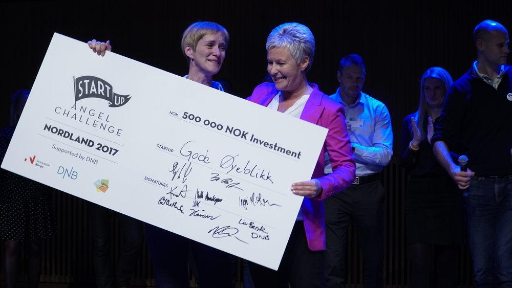 Bilde fra finalen på Angel Challenge Nordland programmet høsten 2017 - Vinneren,Gode Øyeblikk, som mottok en investering på 500 000 NOK fra 10 investorer gjennom en felles syndikat-investering.