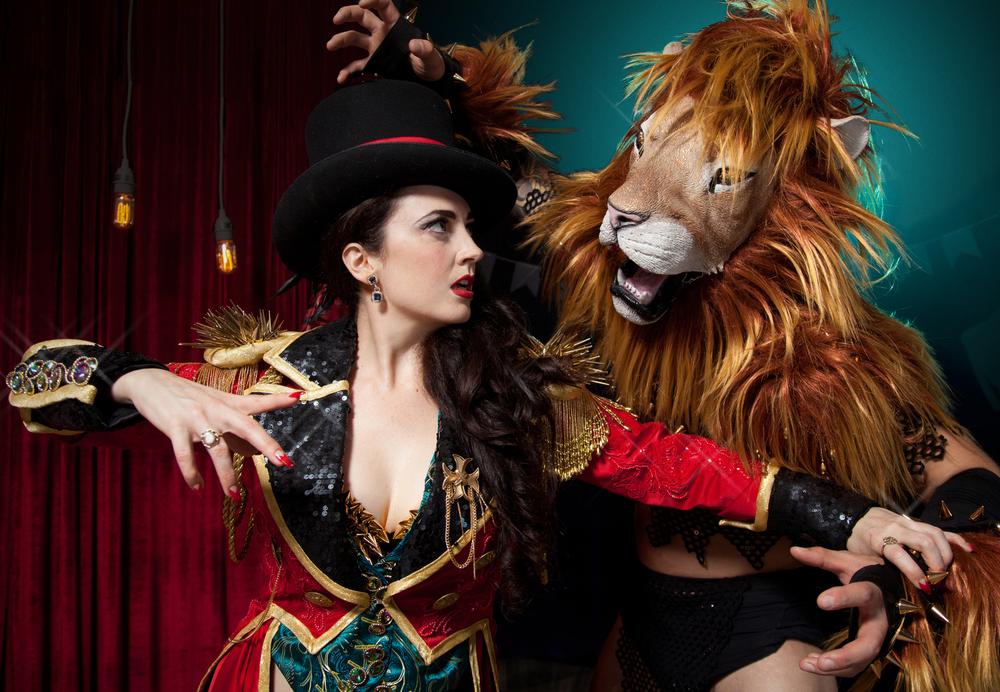 LION+TAMER0476.jpg