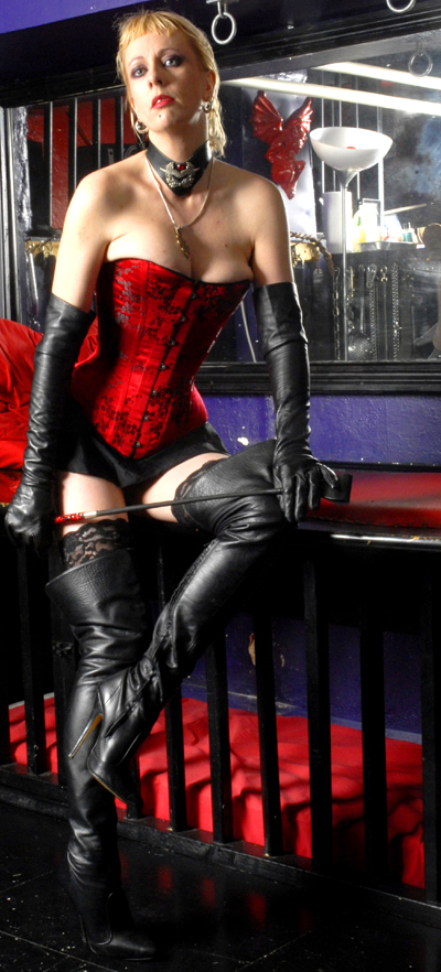 Red Corset Mistress Fabula London and Reading and Ebbsfleet