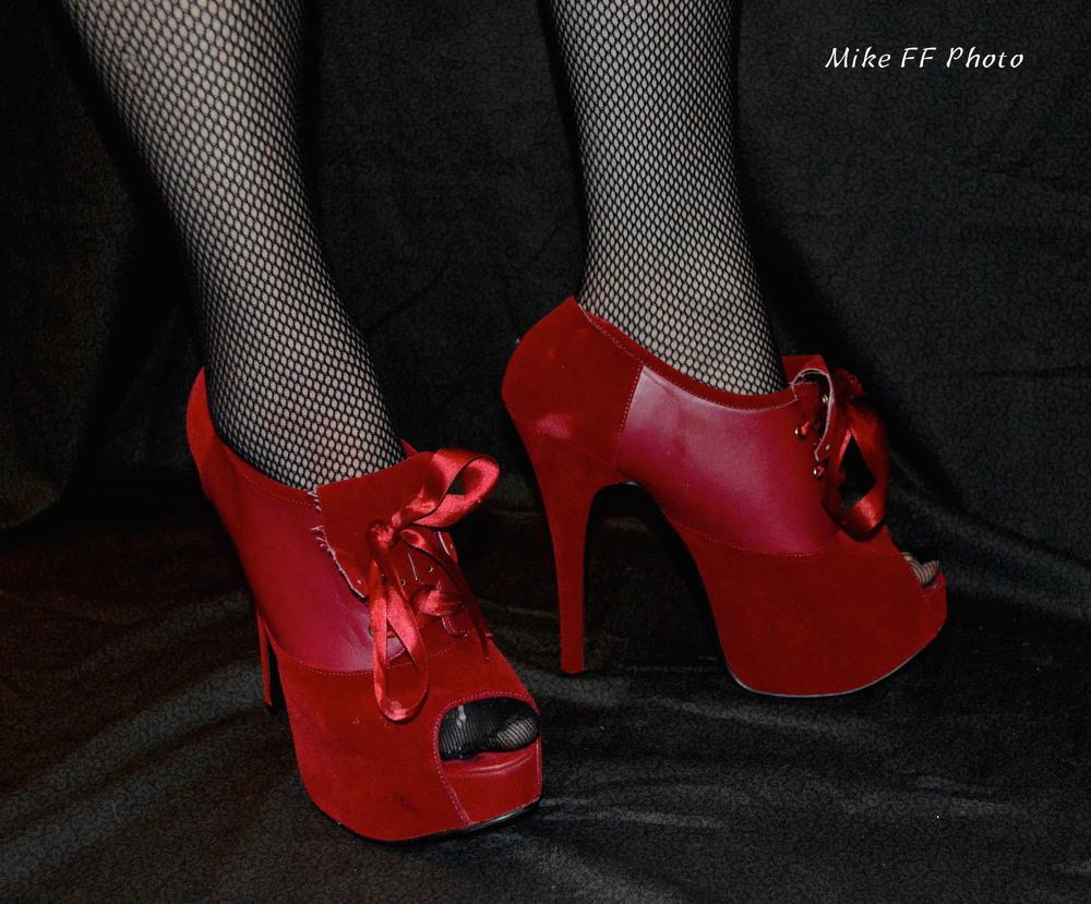 Red shoes Mistress Fabula foot fetish.jpg