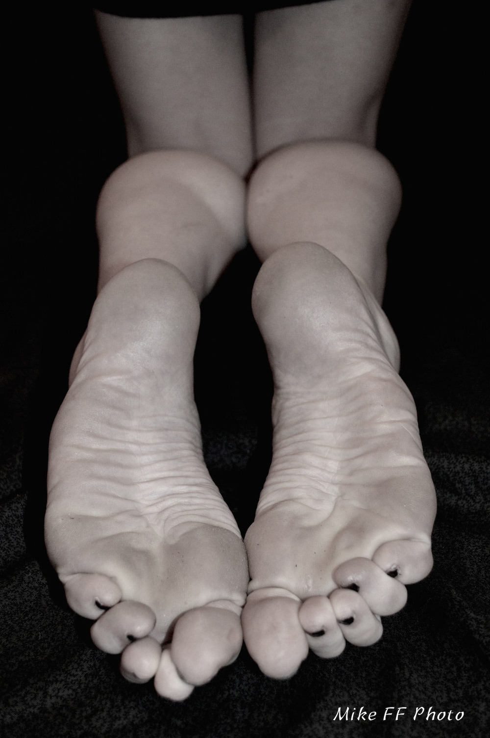 beautiful bare feet mistress fabula.jpg