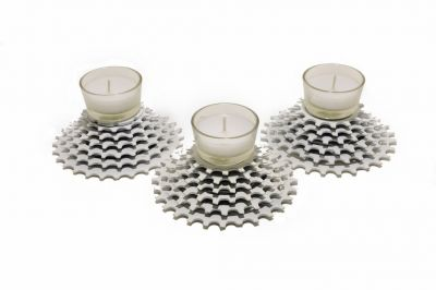 White_Gear_Candle_Holder__Clear_Candle__1024x680_-307-400-600-80.jpg