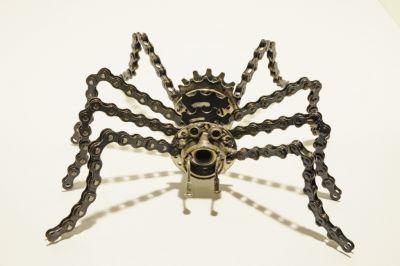 Spider_Gearantula_2_093C__1024x680_-213-400-600-80.jpg