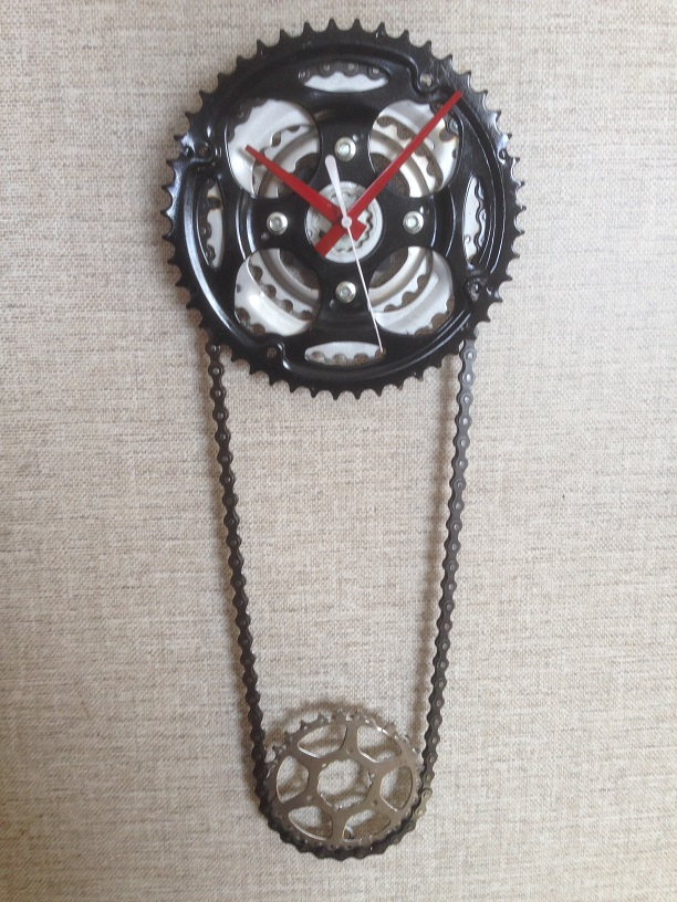 chainring clock black small.jpg
