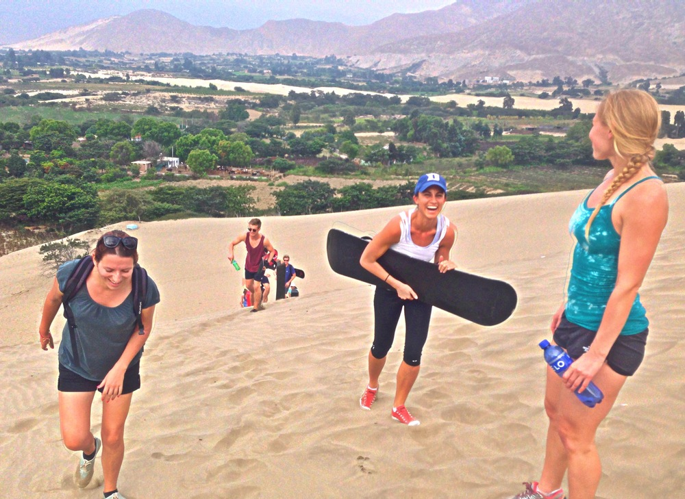 Ali and some SKIP volunteers go Sandboarding in Lago Conache, cerca de Trujillo