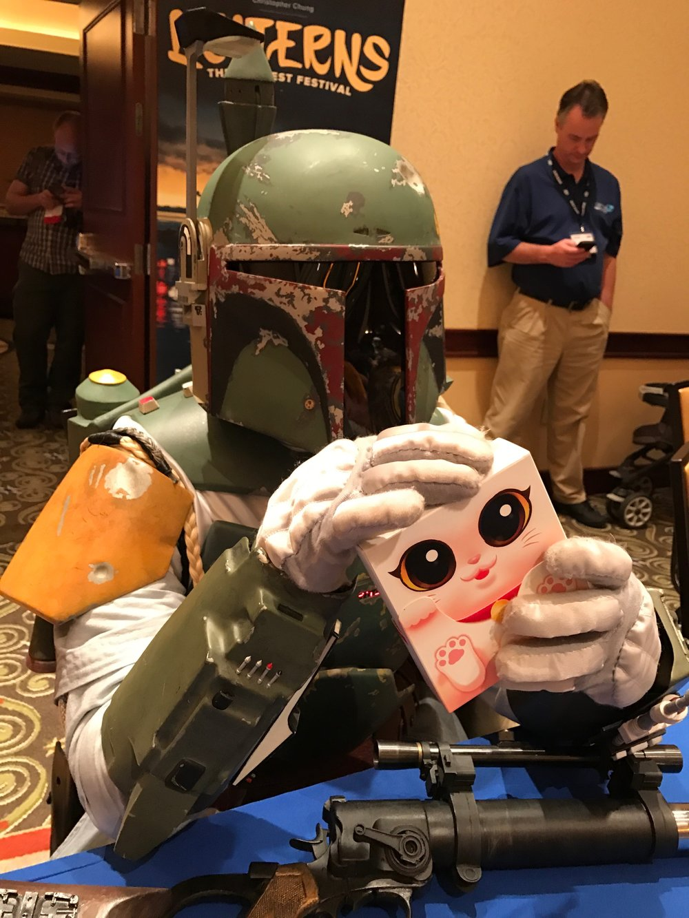 Even Fett can't resists the cuteness of Kitty Paw!