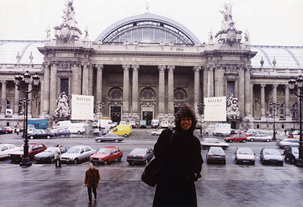 Nan Rae in front of the Grand Palais