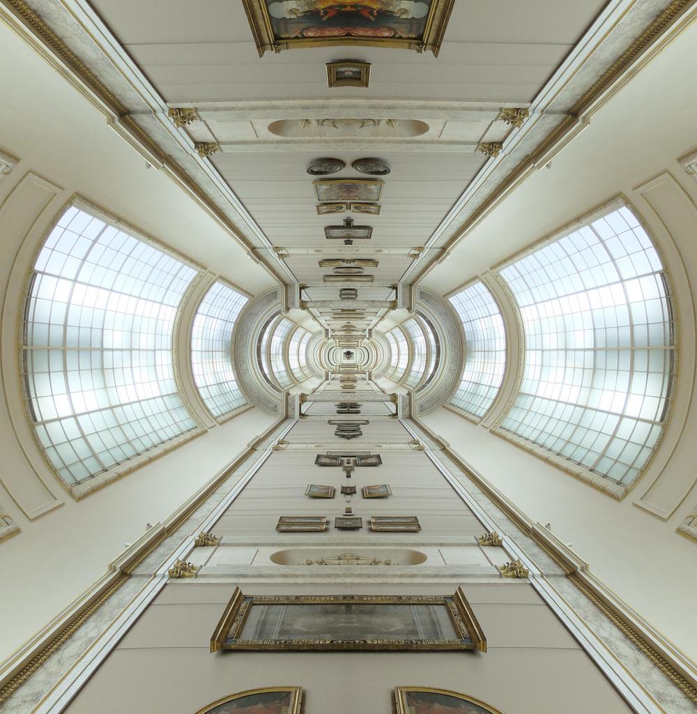 louvre_hallway_symmetry_colr_rot.jpg