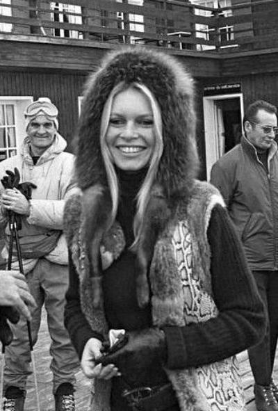 Brigitte via  Brigitte Bardot Canal Blog