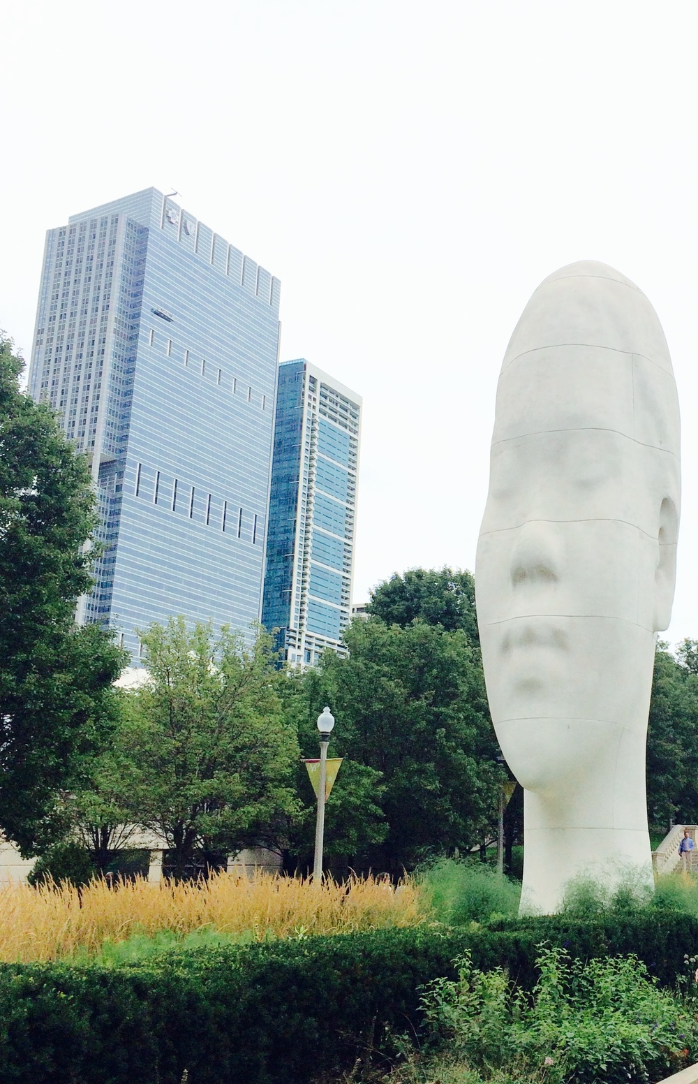 :: funky sculpture & landscaping among modern architecture @ millennium park ::