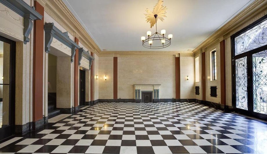 The lobby of our Prospect Heights Prewar. Photocred: Douglas Elliman Real Estate
