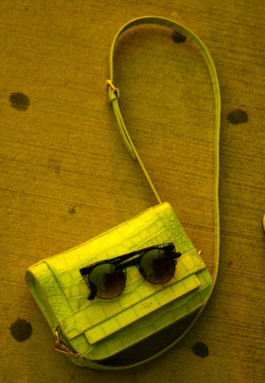 Quay Sunglasses Bloodhound NY 1