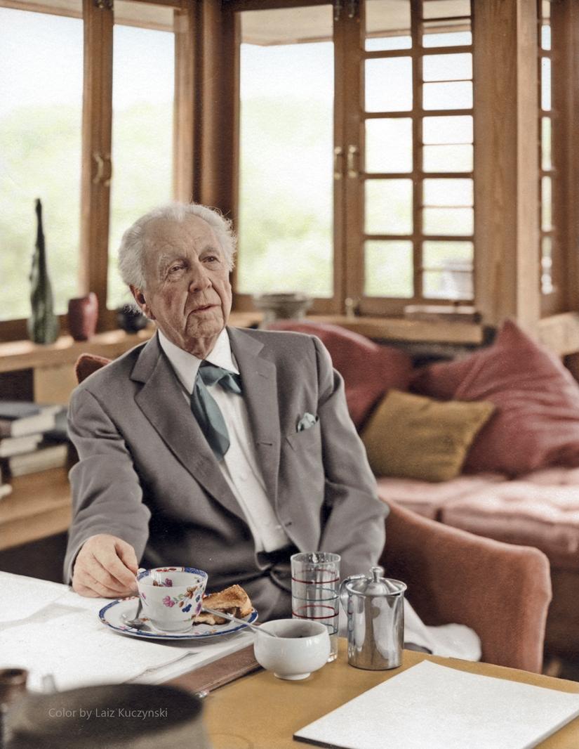 Frank Lloyd Wright 2.jpg