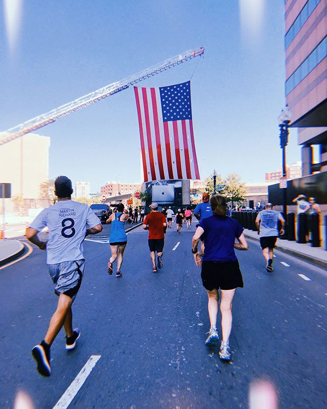 [swipe] 🏃🏻♀️Ran in the MR8k today to honor Martin Richard, first responders 🚔, and those lives forever impacted by the Boston Marathon bombings. . Who knows... maybe in 2020 I'll be running the Boston Marathon representing this amazing foundation (a goal of mine). . It was hot ☀️ outside, but I kept telling myself to run for those who can't. Got to run down Commonwealth Ave, by the MA State House, 🌷Public Garden, and finished the race on center ice 🏒 at the TD Garden. A Labor Day well spent. . . . #mr8k #martinrichard #bostonstrong #8k #8kilometers #running #laborday #girlswhorun #runforthosewhocant #runforgood #runforacause #giveback #martinrichardfoundation #runboston #runningmotivation #runningchallenge #runningirl #TDgarden #bostonbruins #harpoon #harpoonbrewery #ufobeers #bostonusa