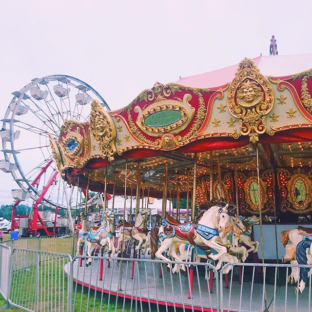 🎟 around & around we go. . . . #fair #sterlingfair #localfair #worcestercounty #worcester #townfair #carnival #carosel #ferriswheel #horses #fairfood #centralma #mass #massachusetts