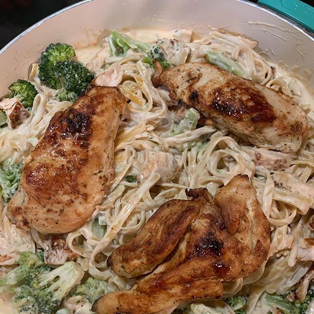 #chicken #fettuccinealfredo #broccoli  #newmusic #composer #composerfood
