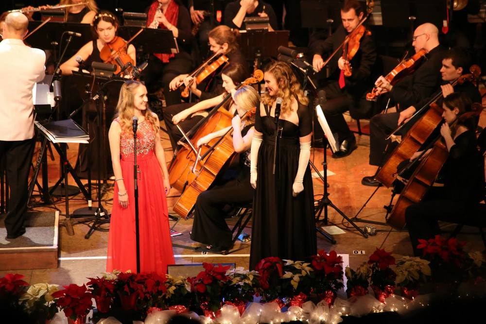 "Claire Skelley & Clare Snodgrass, ""Holiday POPS Spectacular!"""