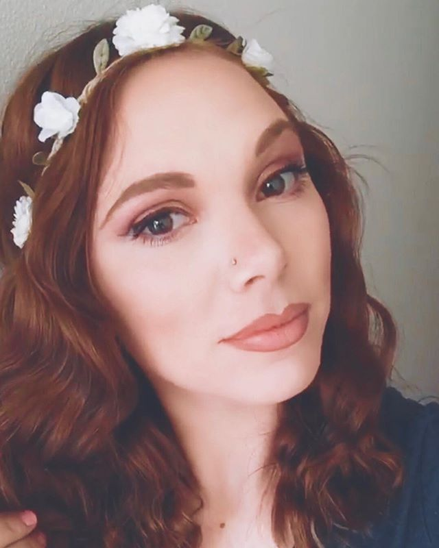 It's Monday... I woke up like this! I woke up like this 🤣 flawless #beyonce #mondaymakeup #mondaymotivation #instagood #instapic #instalike #picoftheday #allyjo #therealallyjo #theallyjoshow #goddess #singer #artist #musician #entertainer #model #queen #almostfamous #famous #flowers #hair #redhead #emergingartist