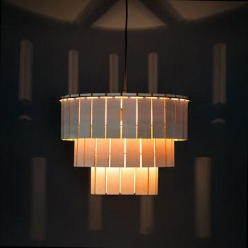 Arp, ontwerpt fantastische items om je interieur weer een feest te maken! Wij mogen deze prachtige lamp snijden voor Arp, ze zijn te koop via http://www.arpdesign.com/