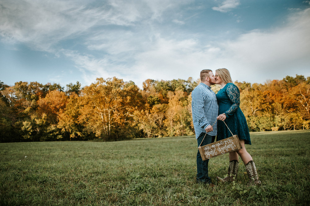 Richmond Kentucky Engagement Photographer - Ariana Jordan Photography -17.jpg
